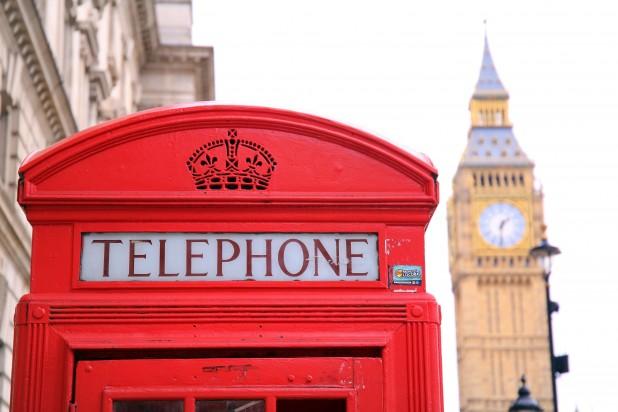 pexels-pixabay-221166. Billede af rød engelsk telefonboks. Taget af Pixabay