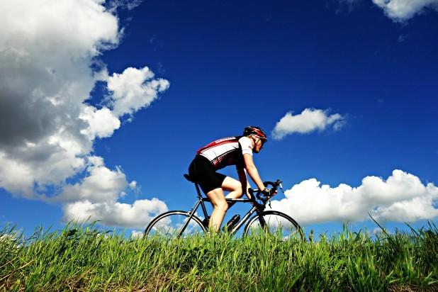 Cykelhold-pexels-mabel-amber-128202. Billede af cykelrytter. Taget af Mabel Amber