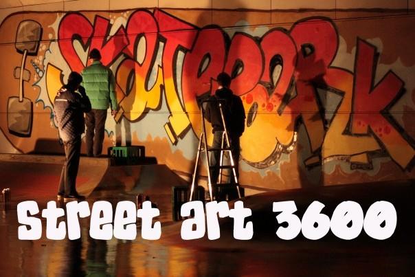 STREET ART FUSWEB 2020. Unge mennesker der spraymaler skateparken i Frederikssund